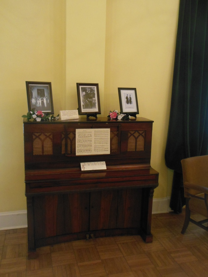 actual piano used by Foster