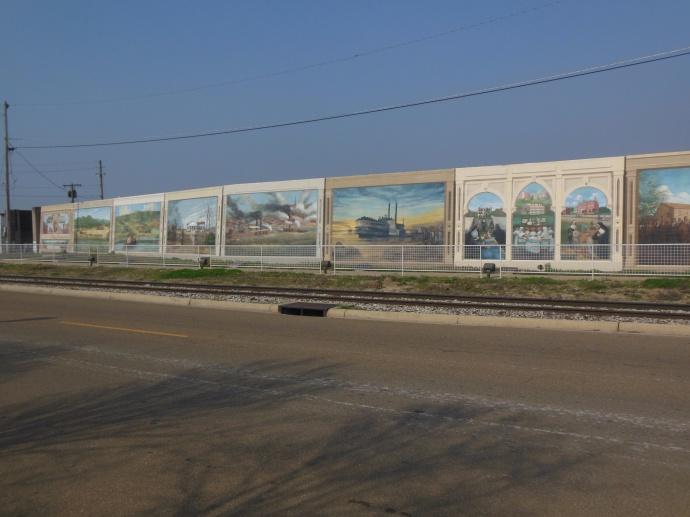 Vicksburg  flood wall murals