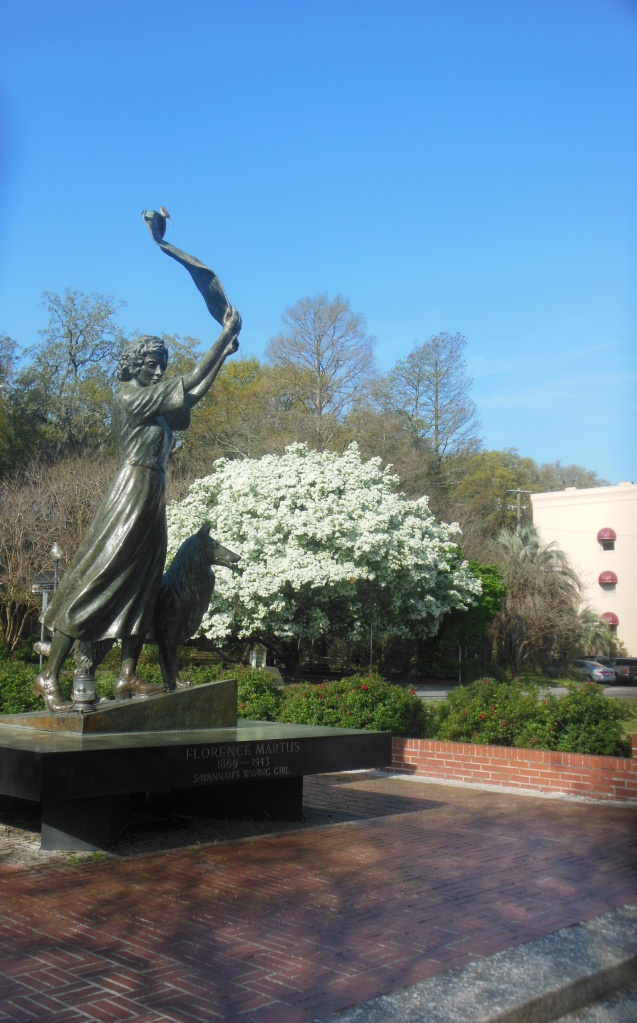 waving girl statue