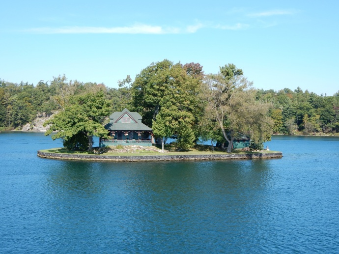 A home on the only island artificially constructed by connecting three shoals
