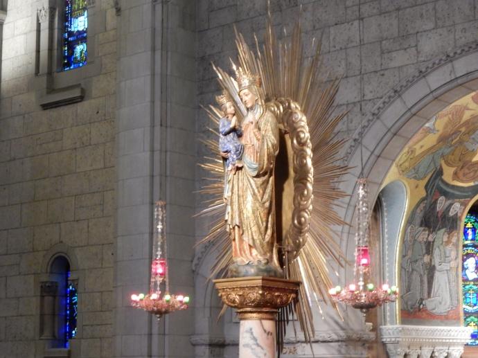 Statue of Sainte Anne