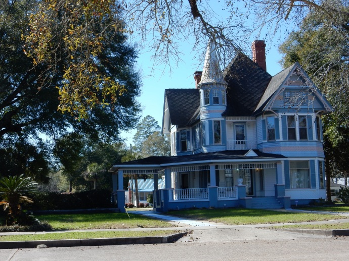 One of the homes on Lake Drive in DeFuniak Springs