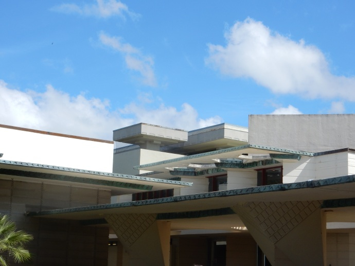 Roof line of Watson Fine Administration Building, Florida Southern College