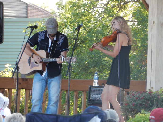 Kari and Billy --free concert in Roseau