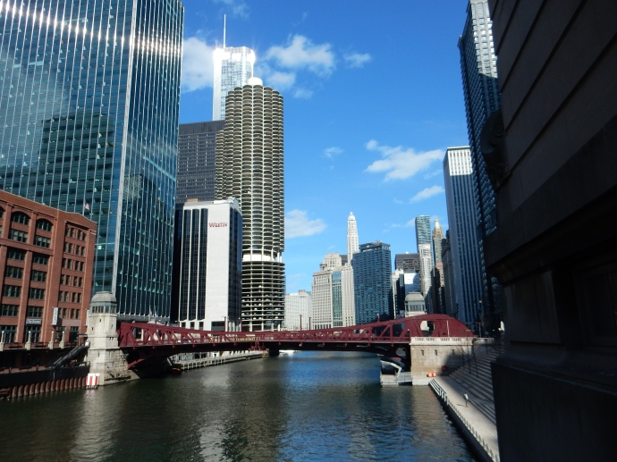 Chicago River on our walk to the hotel