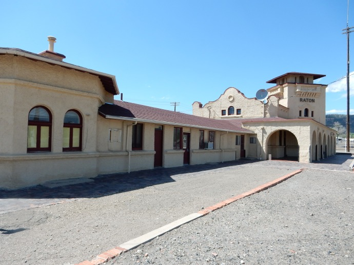 Amtrak station in Raton NM